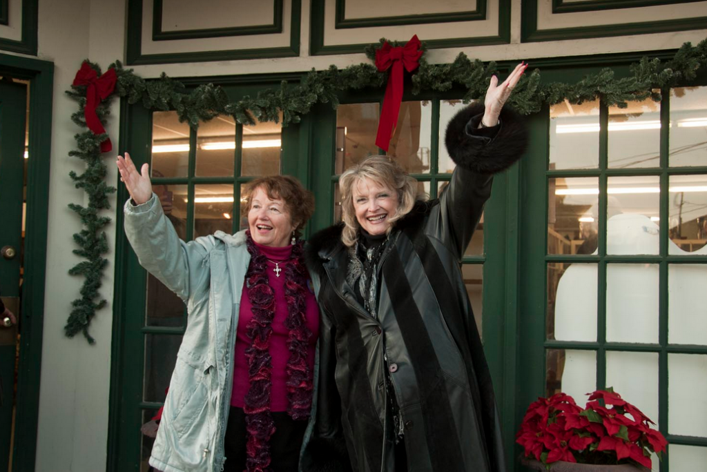 Carol Coombs-Mueller and Karolyn Grimes who played Janie and Zuzu in the film respectively