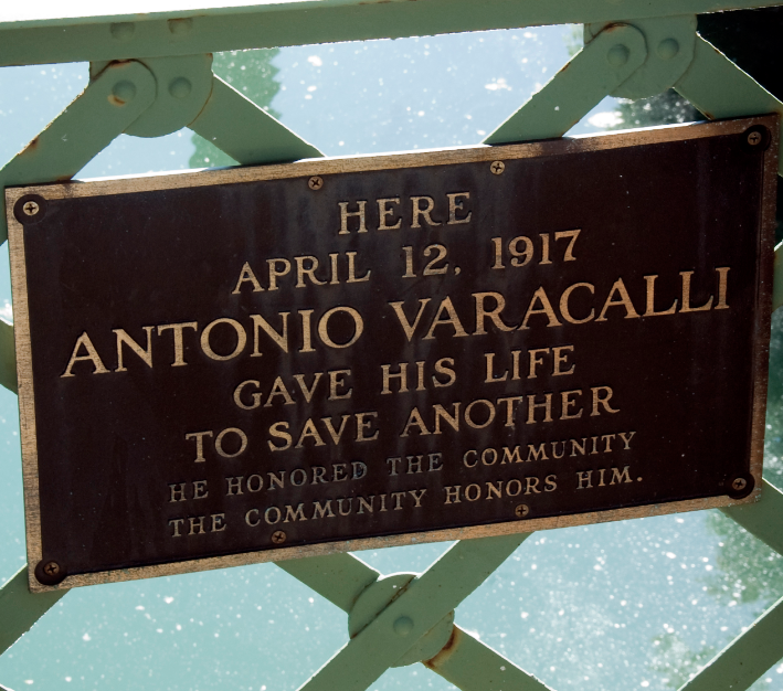 Plaque honoring Antonio Varacalli